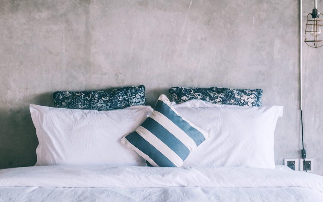 Poduszka do spania – o czym pamiętać podczas wyboru jej rodzaju?